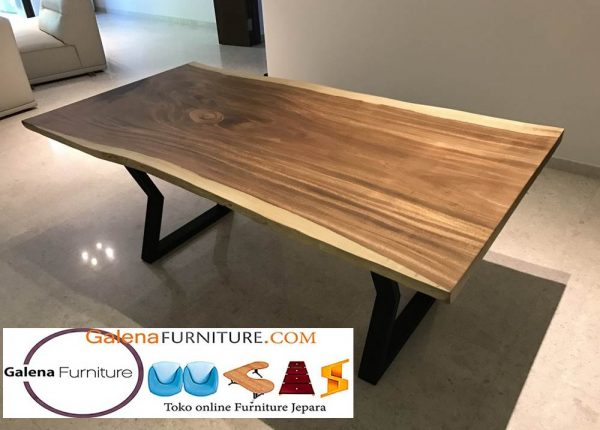 meja makan kayu meh trembesi