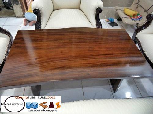 meja tamu kayu trembesi